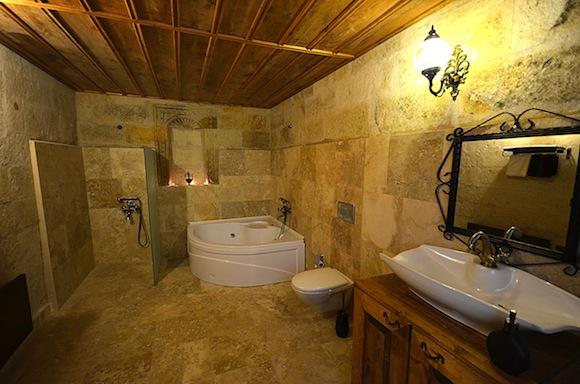Castle Inn Ortahisar bathroom