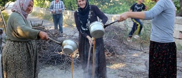 How To Make Pekmez in Cappadocia Turkey in 8 Easy Steps